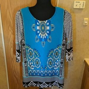 Juniper size medium blue floral blouse